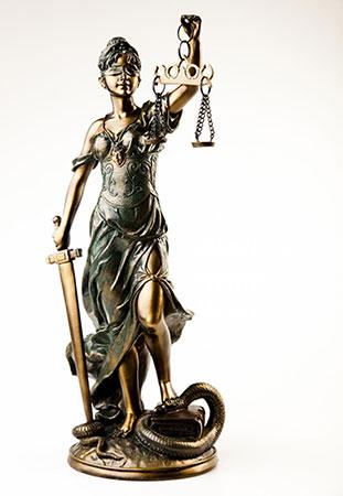 Justiziar Bronzefigur