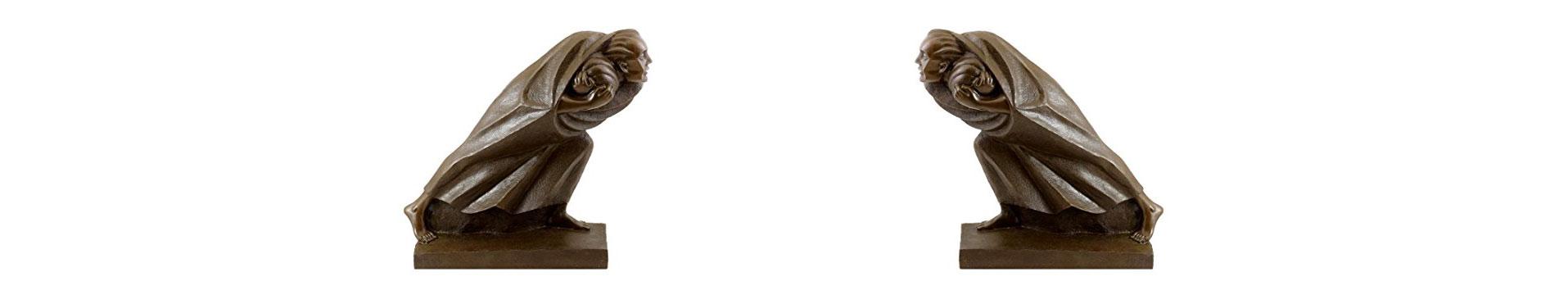 zwei Bronzefiguren