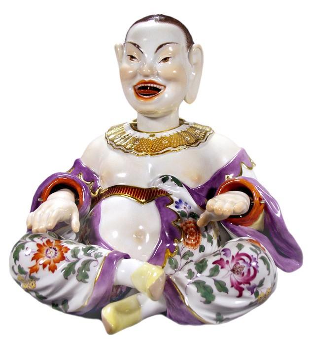 bemalte asiatik Figur aus Porzellan